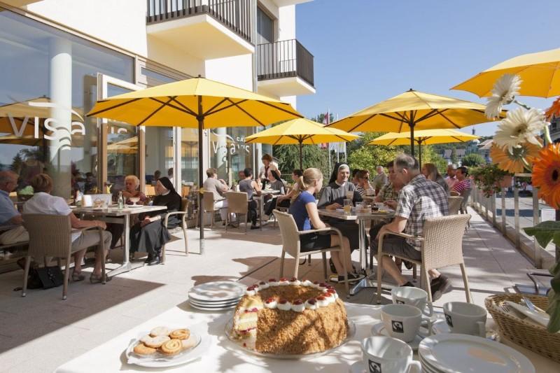 Hotel-St.-Elisabeth-Café-VIS-A-VIS