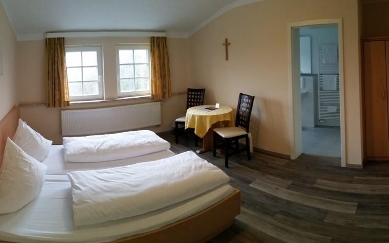 Bilder zu: Übernachtung im Kloster Kreuzberg