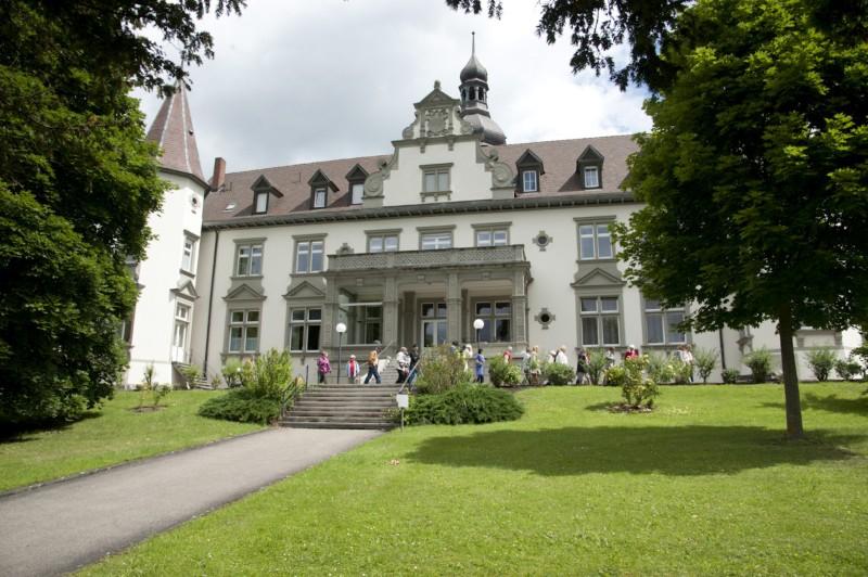 Kloster-Hegne-Schloss_Gruppe