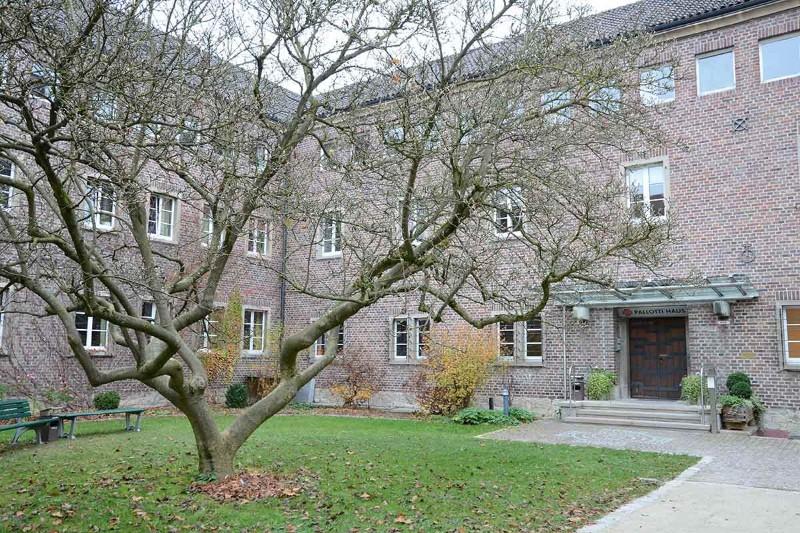Freising-Pallotti-Haus-Türe