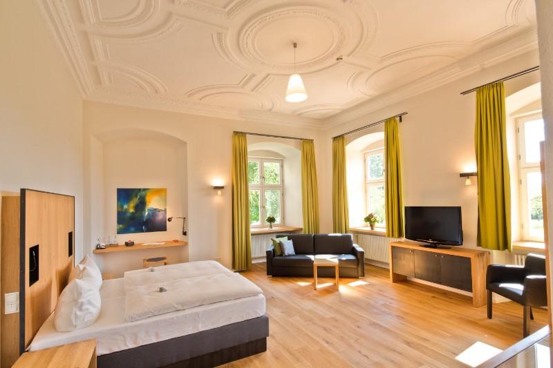 120910-Kloster-Holzen-Zimmer_103587_8_fused-klein-1