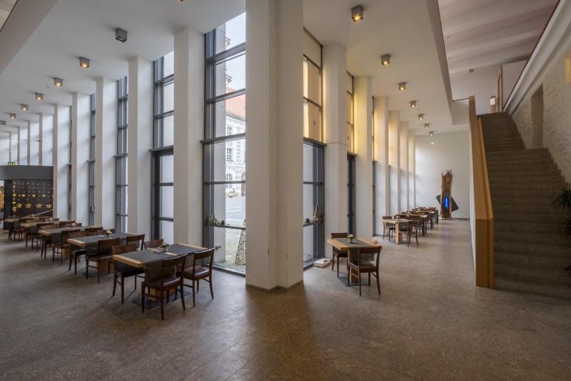 Gaestehaus-St-Joseph-Restaurant-43
